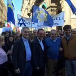 Yoram Ortona, Stefano Parisi e Andrea Orsini al corteo del 25 aprile 2016 a Milano