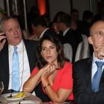 Benny Gantz e Ofer Sachs ascoltano il discorso del presidente del KH Italia